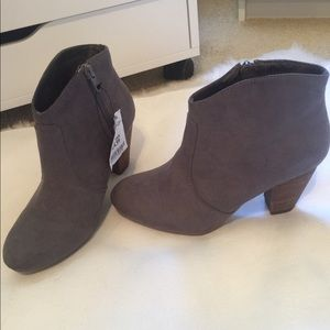 *NWT* ankle boots
